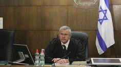 השופט דוד רוזן נראה כמי שמצטרף למאבק התקשורתי המלווה את משפטי אולמרט