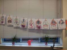 Beeldende vorming: Kies een leuke kleurplaat van Sinterklaas, de Kertsman of de Paashaas en laat hem door de kinderen versieren door stof, rietjes, slingers, propjes, wol etc. !