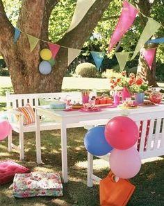 Kleed je leuke zomerfeestje aan met feestelijke heliumballonnen van www.hiephiepballon.nl! Gemakkelijk en snel te vullen met helium uit een handig wegwerptankje.