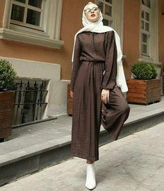 - Jumpsuits and Romper Modest Fashion Hijab, Modern Hijab Fashion, Casual Hijab Outfit, Hijab Fashion Inspiration, Hijab Chic, Abaya Fashion, Muslim Fashion, Fashion Dresses, Jumpsuit Hijab