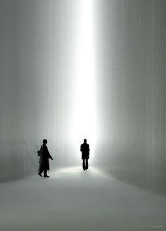 Vanishing point of view (Lexus installation by Tokujin Yoshioka)