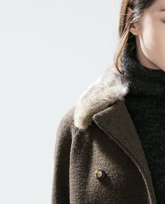 ZARA - WOMAN - DOUBLE BREASTED COAT WITH FUR COLLAR
