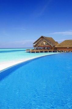 White sand and clear ocean - Maldives