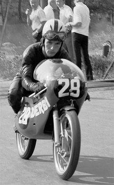 Angel Nieto 1970, 12+1 veces campeón de motociclismo.