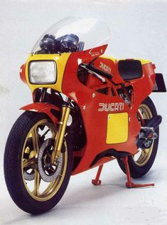 The House of Borgo Panigale has designed the 1984 MY Ducati TT2 600 to compete with the Japanese Big Four on the supersport market, a...