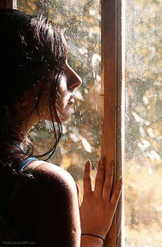 cadere dietro la finestra