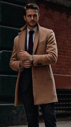 09-a-thin-striped-suit-with-a-burgundy-tie-and-a-camel-coat-for-work.jpg (467×831)