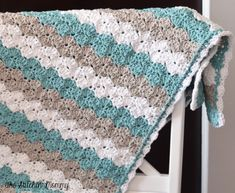 Crochet blanket: ovely colour combination white/teal/grey