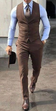 7 Simple Accessories That Make Any Man More Attractive No Matter His Style Mens Fashion Suits, Mens Suits, Womens Fashion, Stylish Men, Men Casual, Gilet Costume, Mode Costume, Casual Outfits, Gentleman Style