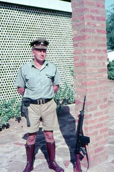 Policeman; Rhodesia Military Police, Police Officer, Zimbabwe Africa, Jimmy Carter, Family Roots, Old Boys, Cold War, World History, Great Photos