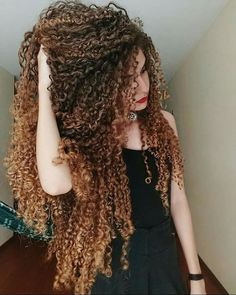 "1,073 Likes, 8 Comments - Long Curly Hair (@long.curly_hair) on Instagram: ""@mairacastro0 """
