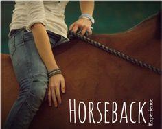"""""""Horseback Experience"""" è un modo diverso di vivere la natura: il rapporto con il cavallo è fatto di intesa e di equilibri, al trotto o al galoppo, potrete ritrovare la magia della natura. Cavalcando lungo sentieri di terra battuta dell'entroterra veronese, ritroviamo, in questo scorcio di fine estate, i profumi della stagione calda, il profumo della terra, e i primi colori autunnali. Una vacanza speciale, quella che proponiamo con """"Horseback…"""