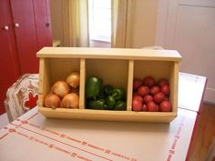 35 Brilliant Onion Storage For Your Kitchen Ideas 8 – Kawaii Interior Onion Storage, Potato Storage, Storage Bins, Kitchen Storage, Storage Ideas, Potato And Onion Bin, Home Projects, Projects To Try, Diy Organization