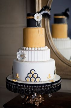 Southern New England Weddings | Cakes Inspired By Cinema: The Great Gatsby | Something Different Cake Couture | Photos by Amber Jane Barricman