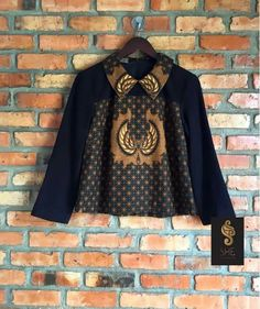 Batik Kebaya, Batik Dress, African Wear, African Fashion, Batik Fashion, Hijab Fashion, Dress Batik Kombinasi, Batik Blazer, Blouse Batik Modern