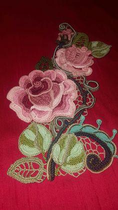 Crochet Flower Tutorial, Crochet Flower Patterns, Crochet Flowers, Hand Embroidery Designs, Embroidery Patterns, Machine Embroidery, Russian Crochet, Irish Crochet, Freeform Crochet