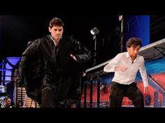 El Hormiguero 3.0 - Iker Casillas y Pablo Motos caminando sobre una piscina de almidón - YouTube