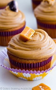 These are the BEST cupcakes! Caramel cupcakes topped with salted caramel frosting and salted caramel candies. @sallybakeblog