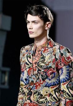 Dries Van Note Fashion Show & more luxury details