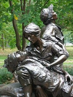 Vietnam | Women's Memorial Statue in Washington DC. It depicts Nurses helping the wounded.