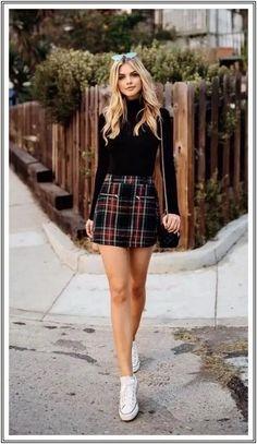 Look saia xadrez, blusa preta de gola alta manga longa e tênis all star branco. Cute Spring Outfits, Winter Outfits Women, Winter Fashion Outfits, Girly Outfits, Cute Casual Outfits, Look Fashion, Stylish Outfits, Casual Chic, Skirt Outfits For Winter