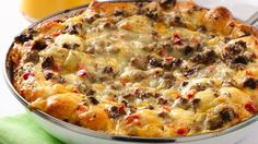Cheesy Southwest Egg Bake Everything you love about breakfast in one delicious pan. In the oven in 20 minutes! From: Pillsbury Recipes What's For Breakfast, Breakfast Dishes, Breakfast Casserole, Breakfast Recipes, Mexican Breakfast, Egg Casserole, Sausage Breakfast, Hashbrown Hamburger Casserole, Southern Breakfast