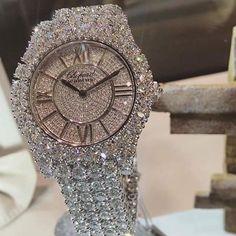 Fine Jewelry Graff - All diamond watch - fine jewelry. Diamond watches for ladies are one of the most amazing Cute Jewelry, Body Jewelry, Jewlery, Jewellery Box, Jewellery Shops, Jewellery Making, Jewelry Stores, Jewelry Bracelets, Bling Bling