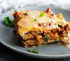 Eggplant lasagna is a low carb alternative to the real thing.you won't miss the traditional lasagna noodles replaced with eggplant! Perfect to stock up the freezer for easy lunches or dinners. Eggplant Lasagna Vegetarian, Lasagna With Zucchini Noodles, Lasagna Noodles, Low Carb Marinara, Low Carb Lasagna, Traditional Lasagna, Meal Prep Containers, Diet Plan Menu, Gluten Free Cooking