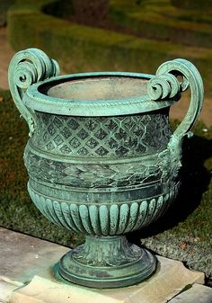 François ANGUIER – Bronze Vase with scrolled handles designed for the Parterre Nord (Northern Flower beds) in Versailles Gardens.