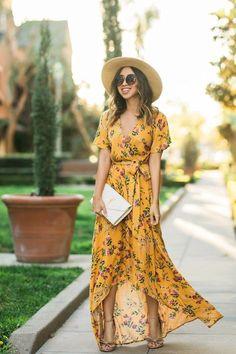 Fashion Dresses Maxi Floral Prints 26 Ideas For 2019 Feminine Mode, Feminine Style, Feminine Fashion, Fashion Blogger Style, Look Fashion, Fashion Spring, Trendy Fashion, Yellow Floral Maxi Dress, Floral Dresses