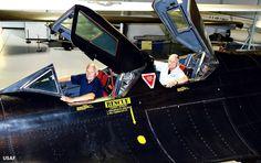 World Air Photo (@planenut27) | Twitter Ret. USAF Maj. Gen. Eldon Joersz, pilot, and Ret.USAF  Lt. Col. George Morgan,  reconnaissance systems officer, sits in the SR-71 Blackbird.