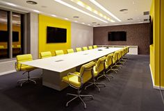 Browse and discover thousands of office design and workplace design photos - tagged and curated to make your search faster and easier. Design Studio Office, Modern Office Design, Office Interior Design, Office Interiors, Office Designs, Creative Office Decor, Cool Office, Home Office Decor, Office Ideas