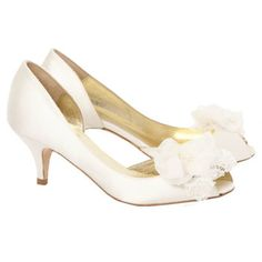 Beautiful low heels- comfortable and pretty!