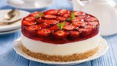 Svieži, studený a prekrásne farebný koláčik, ktorý je tak ľahučký ako vyzerá. Sweet Cookies, Cake Cookies, Sweet Treats, Sweet Recipes, Cake Recipes, Dessert Recipes, Desserts, Jugo Natural, Tummy Yummy