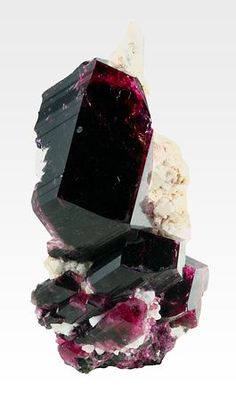 Liddicoatite from Madagascar / Mineral Friends <3