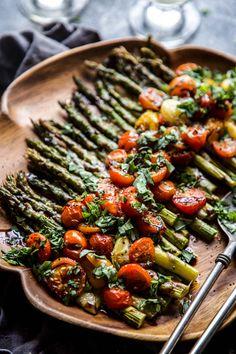 Zucchini stuffed with cod brandade - Recipe Guide Vegan Asparagus Recipes, Roasted Vegetable Recipes, Roasted Vegetables, Vegetarian Recipes, Veggies, Cooking Recipes, Healthy Recipes, Esparagus Recipes, Asparagus Tomato Recipe