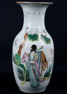 Description A chinese porcelain vase Of baluster from with trumpet neck, painted in famille rose enamels with Xi Wangmu and a deer, the reverse with calligraphy  Date Late 19th/Early 20th century  www.collectorstrade.de