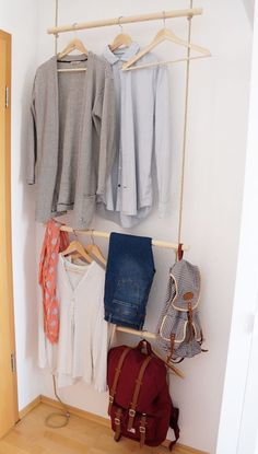 DIY Eine schmale Garderobe mit Seilen hinter der Türe, a slim rope clothing rack behind the door (Diy House Shelf)