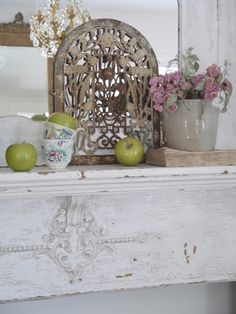 Chateau Chic - Mixing textures for Fall Fall Vignettes, Around The Corner, Four Seasons, Cottage Style, How To Look Pretty, Shabby Chic, Texture, Copycat, Antiques