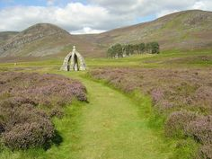 Walk to Queen's Well by VisitScotland, via Flickr  http://www.flickr.com/photos/visitscotland/8363457517/in/photostream/