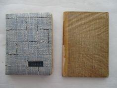 Poëzie; Lot met 2 poesie-albums met talrijke plaatjes - 1938/1962  Kavel bevat: 1. Poesiealbum met stof bekleed - 13 x 175 cm. Bevat 55 beschreven pagina's met 90 poesieplaatjes. Ook zere fraaie plaatjes gemaakt van zijde. De pagina's zijn beschreven door familie vrienden en vriendinnen. versjes uit de periode 1938-1944. Album komt uit de nalatenschap van mevrouw Marie Koopman woonachtig te Wormerveer de gedichten/teksten in de albums zijn aan haar gericht. Conditie: goede gebruikte staat…