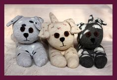chaussettes > chiots - Star-Shaped and Shiny: Sock-Cats and Dogs - Make Soft Toys From Socks Homemade Stuffed Animals, Sewing Stuffed Animals, Felt Animal Patterns, Stuffed Animal Patterns, Sock Crafts, Sock Dolls, Pet Monkey, Operation Christmas Child, Sock Animals