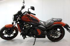 O motocicleta potrivita pentru toate tipurile de rideri: tineri, maturi, barbati, femei, datorita greutatii scazute si a pozitiei joase a seii. Sasiul slim al noului cruiser este perfect pentru strazile oraselor, iar centrul de greutate scazut si masa foarte bine echilibrata asigura o stabilitate excelenta a motocicletei. Kawasaki Vulcan S