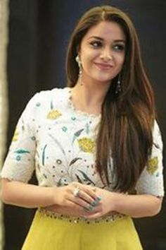Keerthy Suresh in Yellow Dress With Cute and Lovely Smile for New Movie Launch - Keerthy Suresh South Indian Actress, Beautiful Indian Actress, Beautiful Women, Oval Face Hairstyles, Layered Hairstyles, Trending Hairstyles, Indian Hairstyles, White Off Shoulder Dress, Elegant Girl