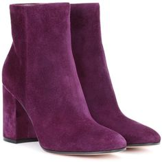 Gianvito Rossi Rolling 85 Suede Ankle Boots (3 660 PLN) ❤ liked on Polyvore featuring shoes, boots, ankle booties, purple, suede boots, purple ankle boots, gianvito rossi booties, bootie boots and purple suede booties