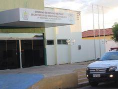 Presos cavam buraco e fogem da delegacia de Campo Maior - http://anoticiadodia.com/presos-cavam-buraco-e-fogem-da-delegacia-de-campo-maior/