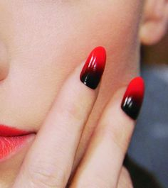 Black and red nails/claws.