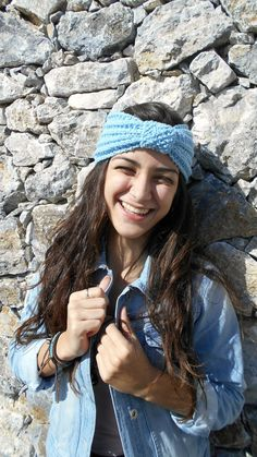 fascia per capelli ai ferri  in cashmere azzurro pastello, serenity blue. By LAlabrastroCreazioni #italiasmartteam #etsy