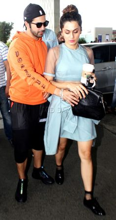 Shraddha Kapoor, Anita Hassanandani, Richa Chadha, Anil Kapoor and other popular Bollywood celebrities were snapped at the Mumbai airport by photographers Bollywood Celebrities, Bollywood Fashion, Bollywood Actress, Mumbai Airport, Taapsee Pannu, Sparkling Stars, Drawing Quotes, Varun Dhawan, Movie Collection