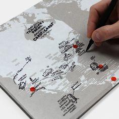 Mapa świata z przezroczystymi kartkami na notatki Transparent World